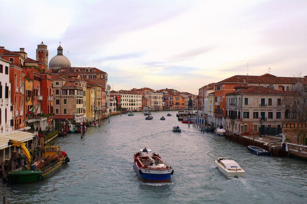 Book your bus transfer from Budapest to Venice, door to door